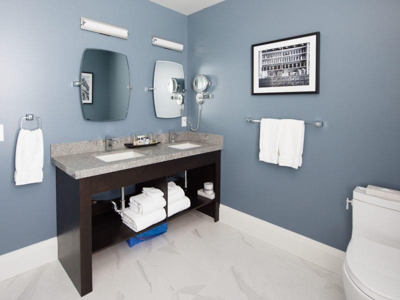 double-king-bathroom