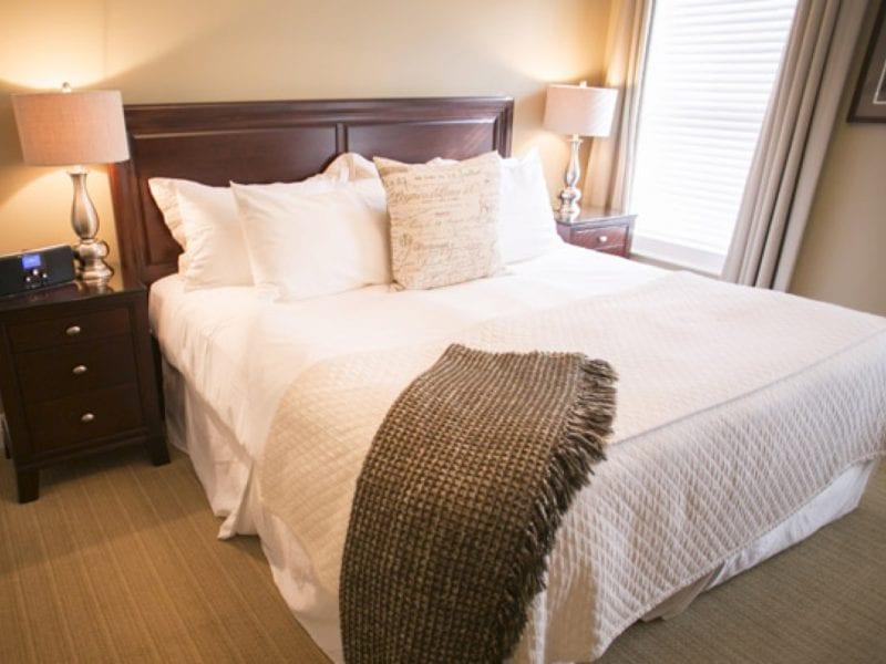 one-bedroom-villa-bedroom
