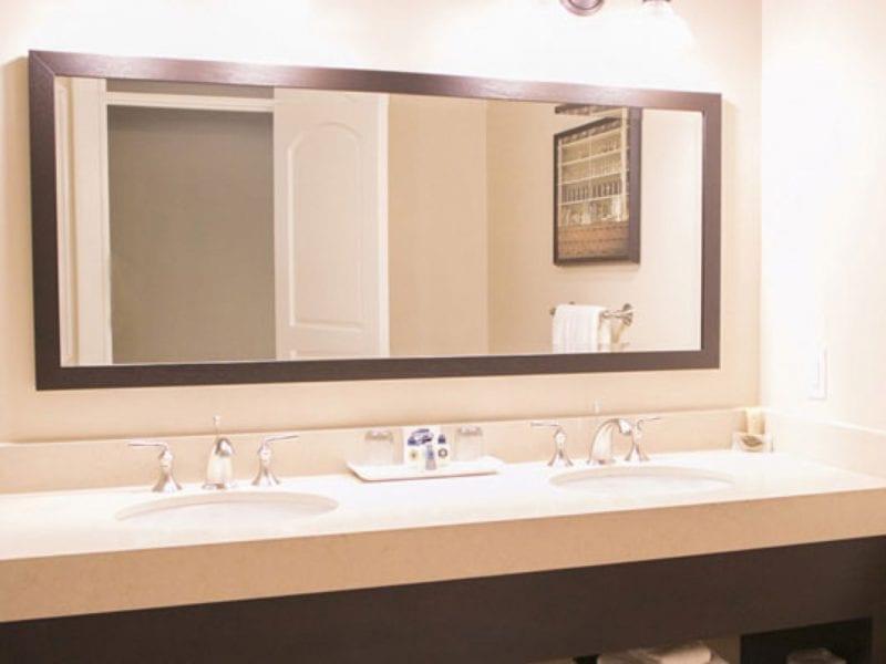 premium-room-bathroom