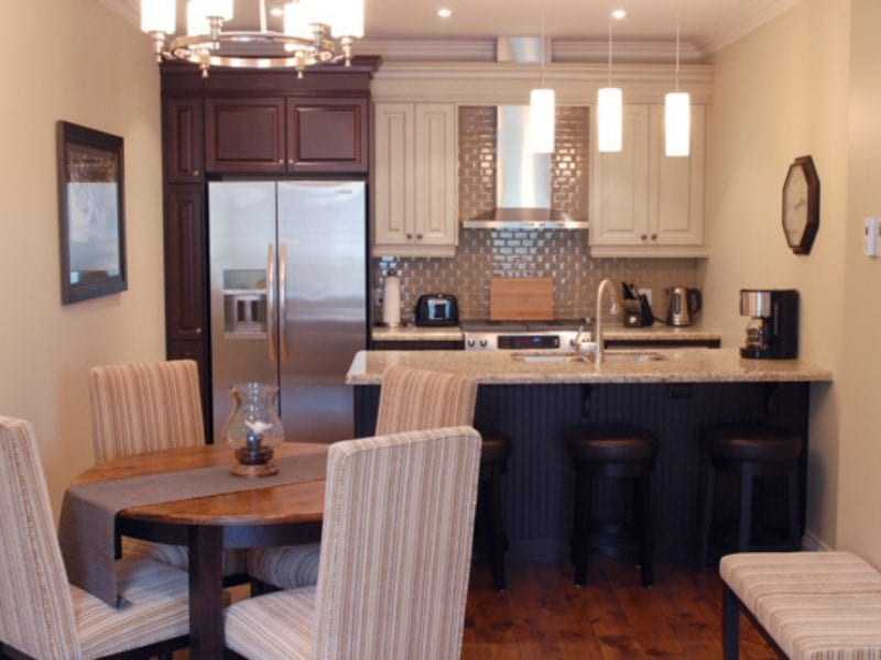 two-bedroom-villa-dining-area